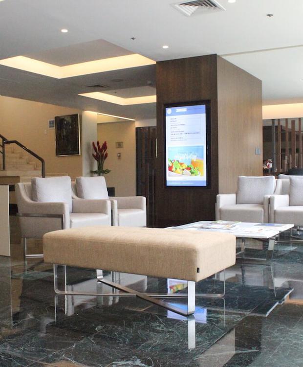 Lobby Sonesta Hotel El Olivar Lima