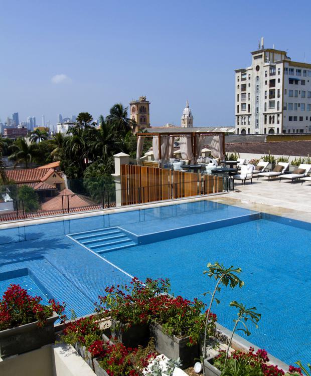 Piscina em Bastión Luxury Hotel Bastión Luxury Hotel Cartagena das Índias