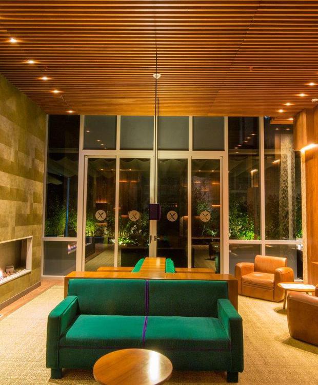 Sala de estar Bioxury Hotel Bogota