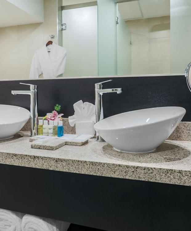 Banho Hotel Four Points by Sheraton Cuenca Cuenca