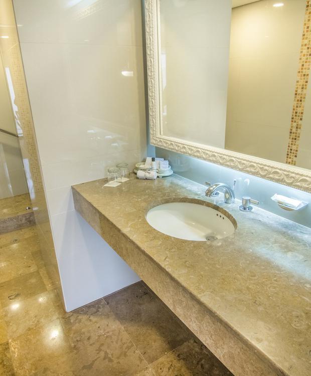 Casa de banho Suite Júnior GHL Hotel Hamilton