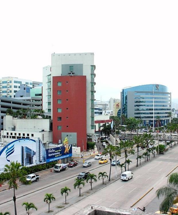 Vistas a la ciudad Sonesta Hotel Guayaquil Guaiaquil