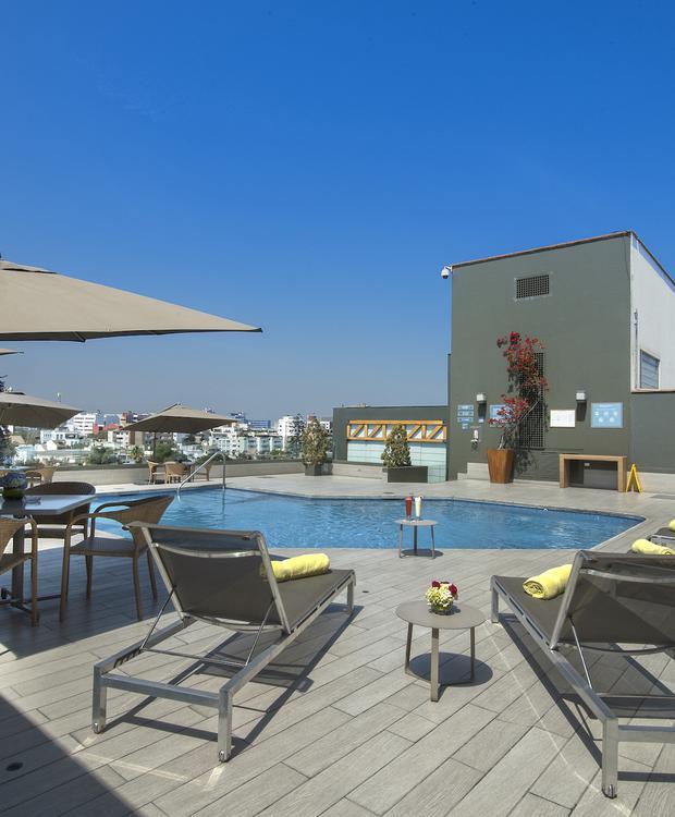 Piscina Sonesta Hotel El Olivar Lima