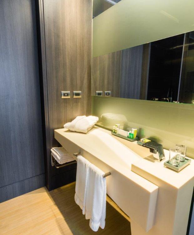 Baño Habitación Superior Bioxury Hotel Bogota