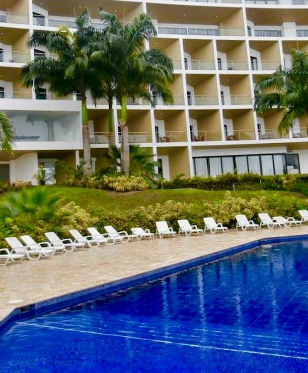 Piscina externa GHL Relax Hotel Makana Resort Tonsupa