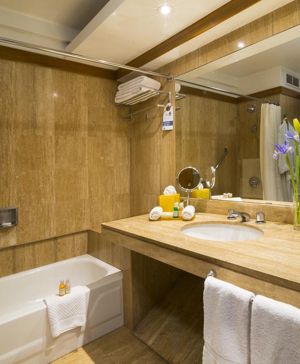 Banheiro Sonesta Hotel El Olivar Lima